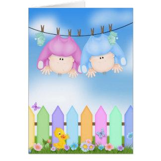 Cartão O bebê junta parabéns