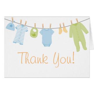 Cartão O bebê pequeno azul & verde da roupa polvilha o