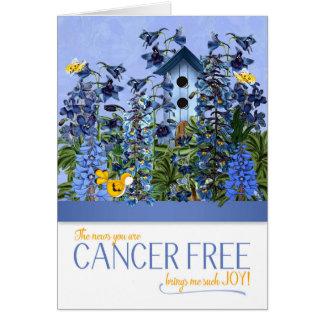 Cartão O cancer livre traz-me o azul Larkspur da alegria