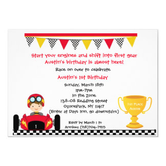 Cartão O carro de corridas convida