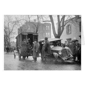 Cartão O Carro destruído do Bootlegger, 1922