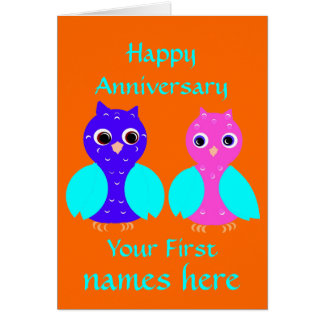 Cartão O casal bonito da coruja do primeiro aniversário