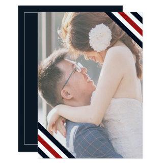 Cartão O casamento litoral listra o branco do vermelho