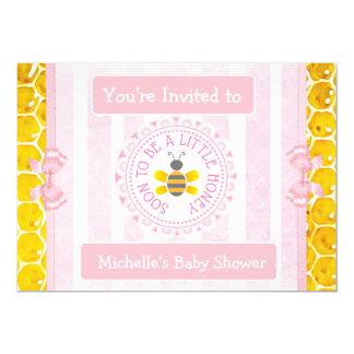Cartão O chá de fraldas bonito da menina do rosa da
