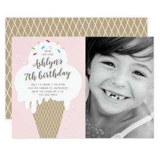 Cartão O cone do sorvete caçoa a festa de aniversário da
