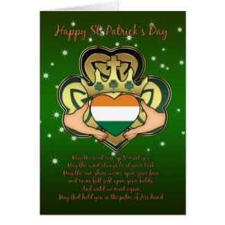 Cartão O dia Claddagh de St Patrick, trevo, abençoando