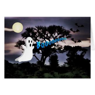 Cartão O Dia das Bruxas, fantasma, bastões, noite