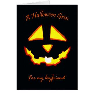 Cartão O Dia das Bruxas para o namorado, sorrir