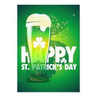 Cartão O Dia de São Patrício feliz do trevo verde da