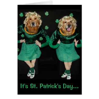 Cartão O dia de St Patrick dourado do gabarito