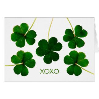 Cartão O dia de St Patrick para o marido, trevos de XOXO