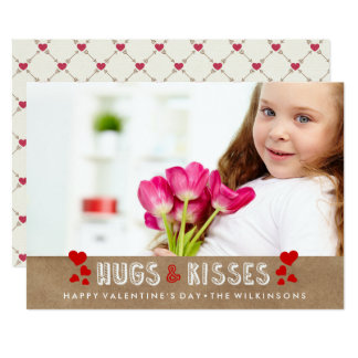 Cartão O feliz dia dos namorados abraça & beija a foto