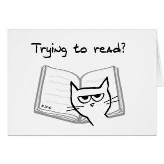 Cartão O gato irritado desafia amantes de livro