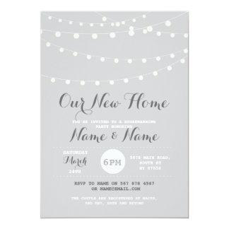 Cartão O Housewarming novo ilumina elegante cinzento