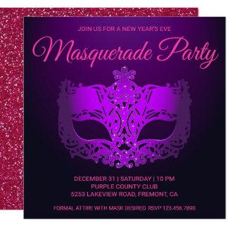 Cartão O partido roxo cor-de-rosa do mascarada da véspera