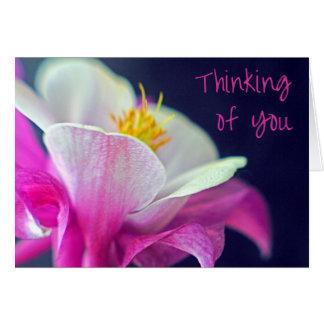Cartão O pensamento de você carda - rosa e roxo