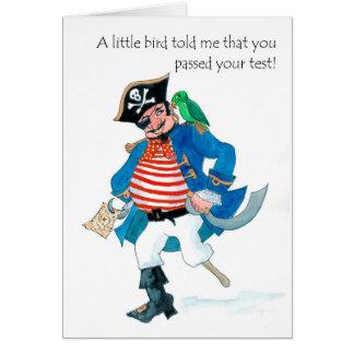 Cartão O pirata e o papagaio do divertimento passaram