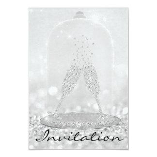 Cartão O vidro de prata do brilho borbulha 16o nupcial de