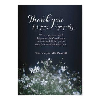Cartão Obrigado branco do falecimento dos Wildflowers