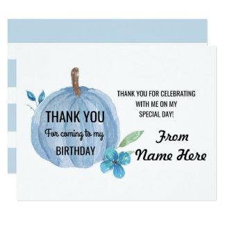 Cartão Obrigado carda o aniversário do menino azul da