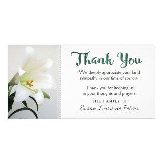 Cartão Obrigado floral da simplicidade do lírio branco