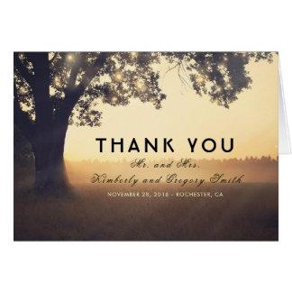 Cartão Obrigado rústico do casamento das luzes da árvore