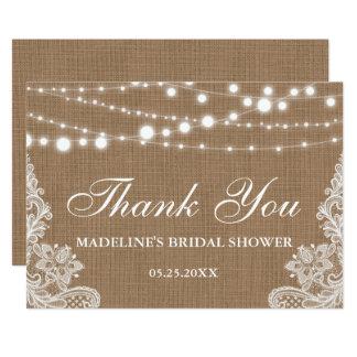 Cartão Obrigado rústico do laço das luzes de serapilheira