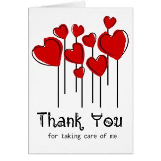 Cartão Obrigado vermelho dos balões do coração você nutre