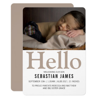 Cartão Olá! Taupe novo do bebê personalizado