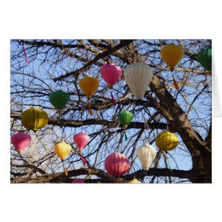 Cartão oriental Uplifting das lanternas