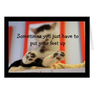 Cartão Os pés de gato pequenos obtêm desejos bons