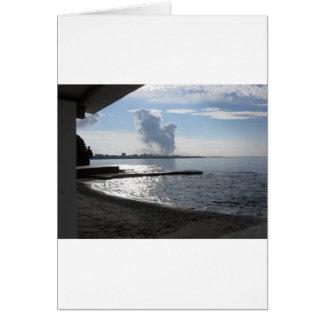 Cartão Paisagem industrial ao longo da costa