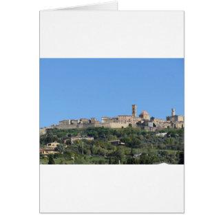 Cartão Panorama da vila de Volterra, província de Pisa