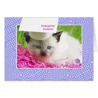 Cartão Parabéns bonitos da graduação do jardim de