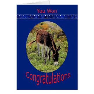 Cartão Parabéns da vitória da eleição com asno
