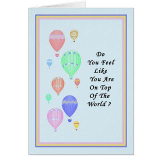 Cartão Parabéns na promoção com os balões de ar quente