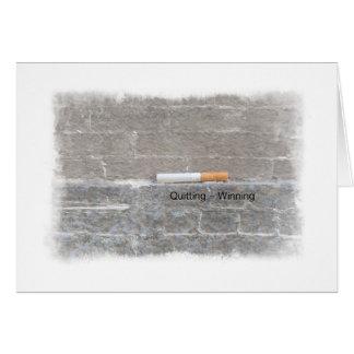 Cartão Parando os semelhantes que ganham o fumo da parada