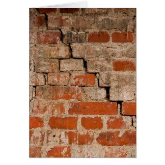 Cartão Parede de tijolo rachada