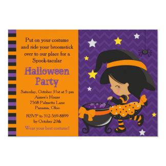Cartão Partido bonito da bruxa do afro-americano do Dia