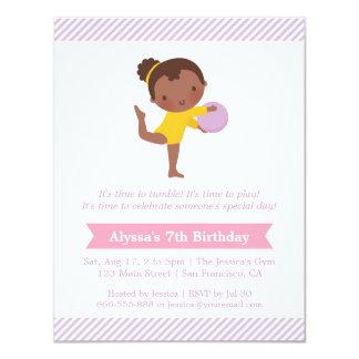 Cartão Partido bonito da menina e de aniversário de