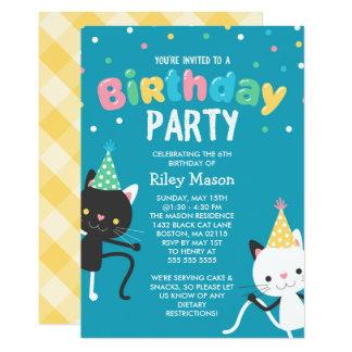 Cartão Partido de aniversário de criança dos gatos da