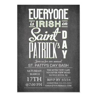 Cartão Partido do dia de St Patrick da tipografia do