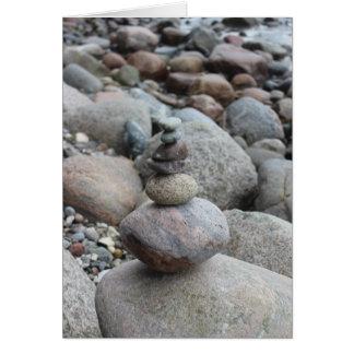 Cartão Pedras a Mar Báltico, empilhado, equilibrio de