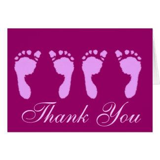 Cartão Pegadas do bebê (gêmeos da menina)