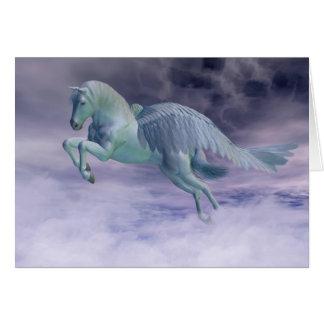 Cartão Pegasus que galopa através das nuvens de