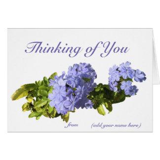 """Cartão """"Pensando de você"""" carde com seu nome nele"""