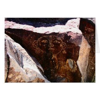 Cartão Petroglyph de uma cabeça, possivelmente um retrato