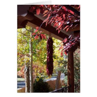 Cartão Pimentas vermelhas no folhagem de outono de New
