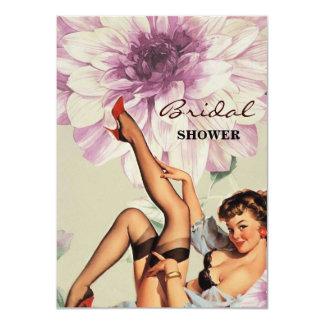 Cartão pino retro floral do vintage acima da menina