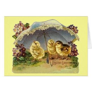 Cartão Pintinhos & parasol da páscoa do vintage